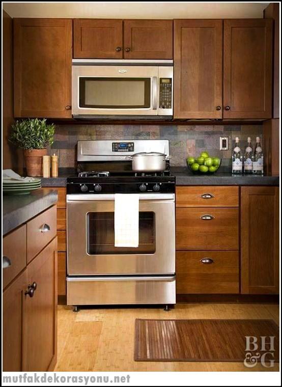 Ahşap Görünümlü Mutfak Dolapları