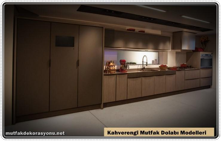 Kahverengi Dolap Dekroasyonu Mutfak