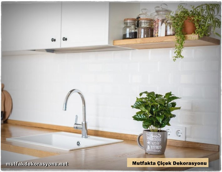 Mutfakta Çiçek Dekorasyonu Fikirleri